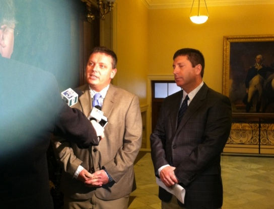 Senate Minority Leader Mike Thibodeau lulls House Minority Leader Rep. Ken Fredette to sleep with a soothing fairy tale told to Maine media... shush everyone, now!