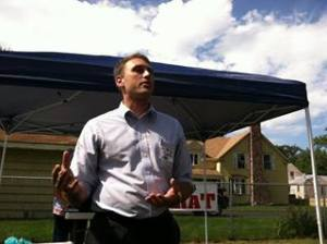 Alden Smith addresses Democrats in Lewiston, Sept 2013.