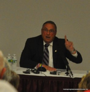 Governor LePage addressing attendees at UMF town hall, 9/22/15
